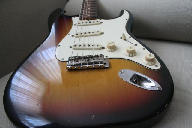 la guitare com pr sentations guitares fender la qu te du graal ma fender stratocaster. Black Bedroom Furniture Sets. Home Design Ideas