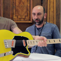 video guitare : Christophe Grellier - The Holy Grail Guitar Show 2015 avec laguitare.com