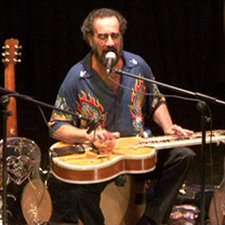 Albums CD DVD Disques guitariste : Bob Brozman - 8 mars 1954 New York / 23 avril 2013 Santa Cruz avec laguitare.com
