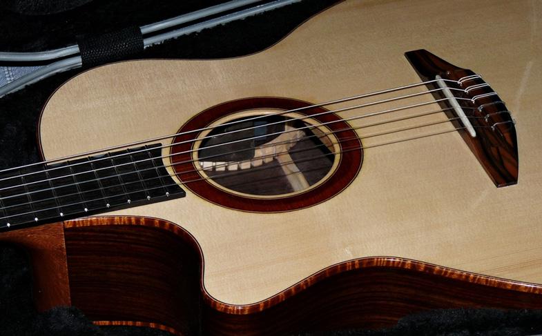 guitare gaucher luthier