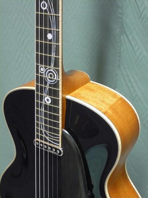 acheter une guitare Arch-top Kozmic Blues Grellier dans la boutique de laguitare.com