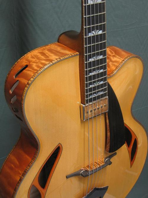 vente guitare Arch-top Metropolis Grellier
