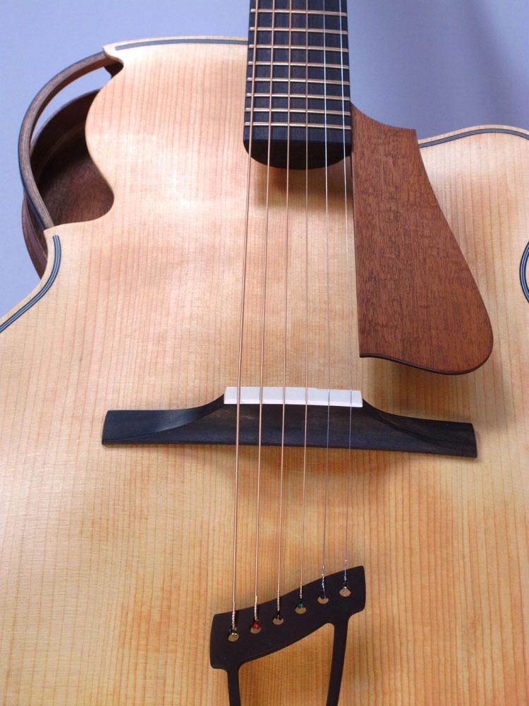 acheter une guitare Arch-top Acoustic Archtop Brownie Parker dans la boutique de laguitare.com