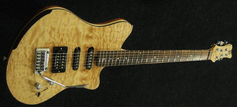 corps de la guitare LEONA est constitué de quatre essences de bo ~ Bois De Lutherie Guitare